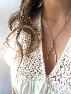 || Wishbone Necklace || Twig & Willow || #twigandwillow #wishbonenecklace #largewishbone #wishbone #sterlingsilvernecklace #daintyjewelry #eastnwestlabel #daintyjewels