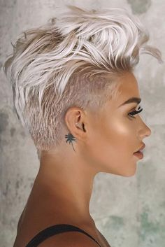 Pixie hairstyles 793196553103588523 - Blonde Long Shaved Pixie ❤ A long pixie cut is the definition of versatility combined with style. There are options for all the face shapes and hair types. Simply amazi Source by love_hairstyles Long Pixie Cuts, Short Pixie Haircuts, Short Hair Cuts For Women, Blonde Haircuts, Undercut Pixie Haircut, Pixie Cut Bangs, Pixie Mohawk, Pixie Cut With Undercut, Messy Pixie Cuts