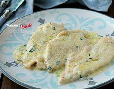 Pollo al latte, ricetta per un secondo piatto con filetti di petto di pollo tenerissimi e gustosi. Ricetta facile e veloce