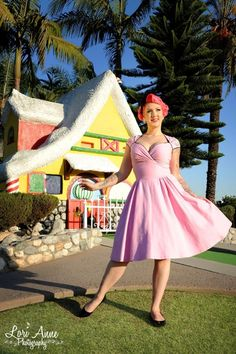 Pinup Couture - The Luscious Dress in Pink With Black Swan and Atomic Starbursts