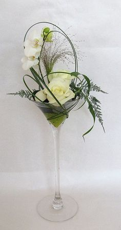 - Expolore the best and the special ideas about Martinis Contemporary Flower Arrangements, Creative Flower Arrangements, Flower Arrangement Designs, Ikebana Flower Arrangement, Ikebana Arrangements, Flower Centerpieces, Flower Decorations, Flower Designs, Floral Arrangements