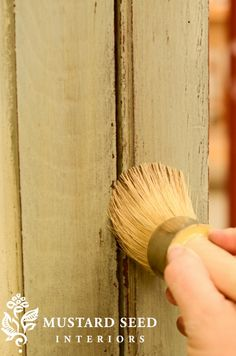 Love this site! Great tutorials for painting with milk paint! If you haven't used MMS Milk Paint then you need to get yourself some because this stuff is the best Milk Paint Furniture, Furniture Projects, Furniture Makeover, Painted Furniture, Home Furniture, Waxing Furniture, Desk Makeover, Shabby, Paint Stain