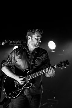 Chris Young Maryville, TN 10.18.2014 - TheCountrySip.com ©Vanessa Storm Photography