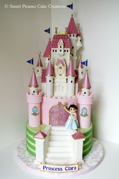 I think every mom dreams of making a pretty castle...