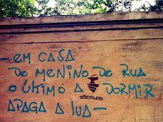 28 frases estampadas em muros que revelam a sabedoria das ruas