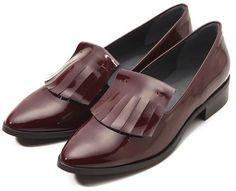 注目したい一足。Gardenia ロペ マドモアゼル エナメルシューズ / patent leather loafer on shopStyle