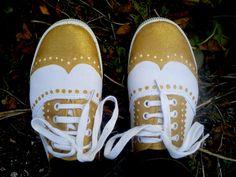 DIY sneakers   Maak van je sneakers een nette schoen, met textielverf