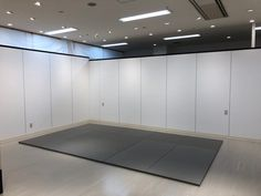 Tatami Room, Garage Doors, Japanese, Outdoor Decor, Home Decor, Decoration Home, Japanese Language, Room Decor, Home Interior Design