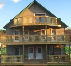 3 levels of balcony's, 3900'sq interior, 3100'sq exterior decks, 8bed/8.5bath - Watkins Glen house rental