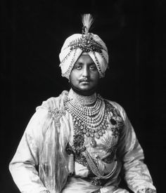 His Highness, The late Maharaja of Patiala, India. Wearing The Cartier Patiala Necklace. Honestly, I think His Highness is complete Cartier! Vintage India, Vallabhbhai Patel, Bollywood, Asian Art Museum, Mode Costume, Royal Jewelry, Indian Jewelry, Big Jewelry, Patiala