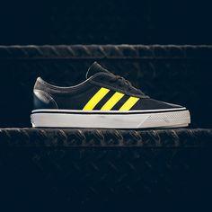 adidas Skateboarding Adi-Ease: Black/Yellow