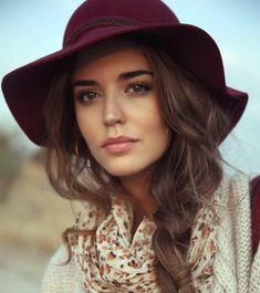 Pratique et stylé, le chapeau est un accessoire indispensable Choisir son chapeau selon la forme de son visage