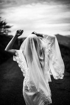 MYSTIC BRIDE pour Bippity Magazine ©Photos Boul Rostan