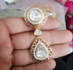 Polki earrings Jewelry Design Earrings, Ear Jewelry, Art Deco Jewelry, Jewelery, Gold Earrings, Gold Necklace, Victorian Jewelry, Antique Jewelry, Pakistani Jewelry