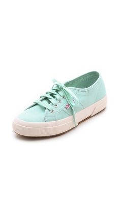 Superga sneakers in mint. Spring is calling our feet!