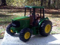 "JOHN DEERE FARM TRACTOR W/ CAB DIE CAST 7.25"" LONG x 5.5"" TALL #Ertl #JohnDeere"
