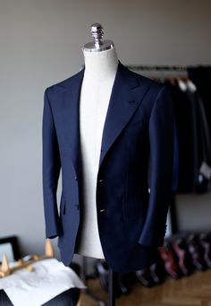 Dress Suits For Men, Suit And Tie, Men's Suits, Blazer Outfits Men, Stylish Mens Outfits, Groom Suit Trends, Mens Fashion Suits, Fashion Outfits, Style Costume Homme