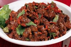 Slimming Slimming World's lamb rogan josh recipe - goodtoknow - A tasty, healthy curry in under an hour? Sounds too good to be true! This easy recipe from Slimming World lets you enjoy your curry without having to worry about the calories Lamb Recipes, Wrap Recipes, Curry Recipes, Indian Food Recipes, Asian Recipes, Savoury Recipes, Veg Recipes, Skinny Recipes, Lunch Recipes