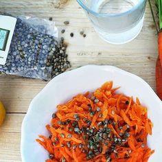 #hanfsamen #hempseeds #hanfnüsse #möhren #karotten #carrots #vegan #vegetarian #vegetables #vegetarisch #hemp #hanfhausdüsseldorf #hanfhaus #düsseldorf #eat #eating #eathealthy Risotto, Shrimp, Vegan, Ethnic Recipes, Food, Hemp Seeds, Carrots, Essen, Meals