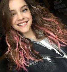 Pink hair of Barbara Palvin. Barbara Palvin, Most Beautiful Faces, Beautiful People, Gorgeous Women, Pelo Cafe, Woman Crush, Bikini Fashion, Lany, Pink Hair