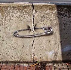 Street art graffiti banksy life 29 Ideas for 2019 3d Street Art, Murals Street Art, Urban Street Art, Amazing Street Art, Street Art Graffiti, Street Artists, Urban Art, Graffiti Girl, Sidewalk Art