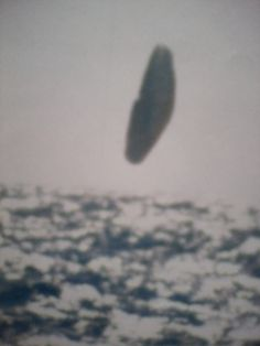 Leaked Arctic UFO pics taken from US submarine in 1971 leave experts speechless m.tv July 2015 Specialist researchers of Unidentified Flying Objects (UFOs) believe the black and white images - supposedly taken from the USS Trepang SSN 674 su Aliens Und Ufos, Ancient Aliens, Ufo Evidence, Ufo Footage, Us Submarines, Unidentified Flying Object, Flying Saucer, Ufo Sighting, Black N White Images