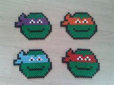 Lot de 4 dessous de verre tortue ninja : http://www.alittlemarket.com/cuisine-et-service-de-table/lot_de_4_dessous_de_verre_tortue_ninja-11780741.html