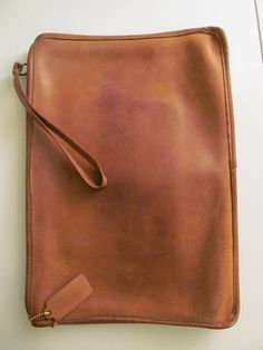 Authentic COACH Envelope Clutch - Vintage Camel / Doe Leather. $60.00, via Etsy.