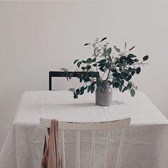 # Instagram: @erikaappelstrom #interior #scandinavian #diningroom #linen #whiteinterior #eucalyptus