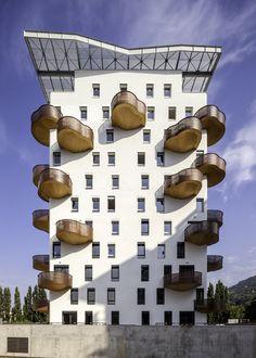 Quai de la Graille residential building in Grenoble, France by R2K Architects