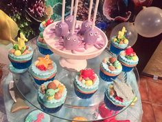 The cake pops and cu