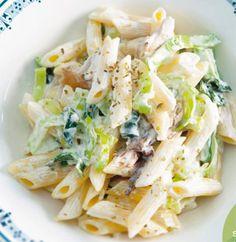 Zin om een lekker gerecht te koken? Vind hier het culinaire recept voor romige preipasta met makreel. Wil je meer lekkere gerechten leren kennen? Abonneer dan nu! Vriendin.nl is er voor en door jou.