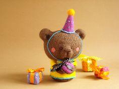 Louiethe Birthday Bear_Needle felted Art by MFFabulousCreations