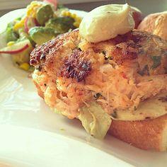 Shrimp and Crab Cake Burgers with Avocado Jalapeño Yogurt Sauce | #seafood #summer #burgers