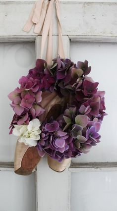 I love hydrangeas.  This wreath could actually last for a very long time because if you allow hydrangeas to dry out (carefully) they'll turn into the most glorious colours once dry, until eventually turning into little skeleton petals on the branches.