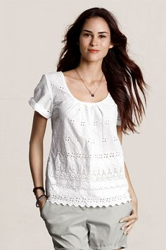 Absolutely perfect spring and summer time top.