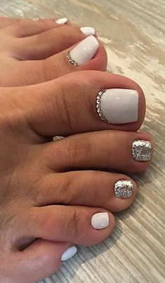 Pretty Toe Nails, Cute Toe Nails, Pretty Toes, Fancy Nails, My Nails, Glitter Toe Nails, Gel Toe Nails, Cute Toes, Toe Nail Color