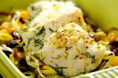 Przepis na Mintaj pieczony z porem Fish Recipes, Potato Salad, Potatoes, Meat, Chicken, Ethnic Recipes, Food, Yum Yum, Bulgur