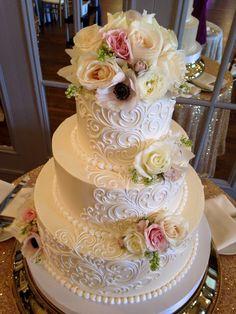 Classic Wedding Cakes-old version Classic Elegant tier buttercream wedding cake with fresh flowers 3 Tier Wedding Cakes, Wedding Cake Photos, Buttercream Wedding Cake, Elegant Wedding Cakes, Beautiful Wedding Cakes, Wedding Cake Designs, Beautiful Cakes, White Buttercream, Lace Wedding Cakes