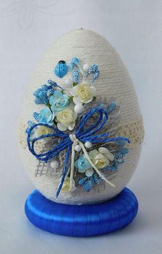 Kup teraz na allegro.pl za 35.00 zł - PIĘKNE JAJKO,PISANKA,OZDOBY WIELKANOCNE,RĘKODZIEŁO (7811863663). Allegro.pl - Radość zakupów i bezpieczeństwo dzięki Programowi Ochrony Kupujących! Egg Crafts, Glue Crafts, Yarn Crafts, Easter Crafts, Diy And Crafts, Crochet Butterfly Pattern, Cement Crafts, Diy Ostern, Mothers Day Crafts