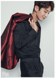 Lee Joon Gi - Lee Joon Gi Asian Actors, Korean Actors, Korean Men, Asian Men, Korean People, Lee Joon Gi Wallpaper, Lee Jong Ki, J Hope Dance, Choi Jin Hyuk