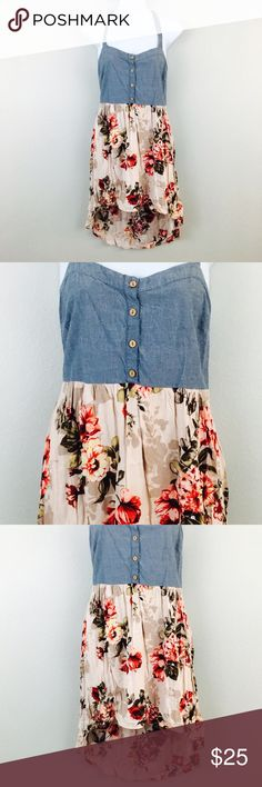Blue Jean Floral Hi Lo Dress! Size medium! Dresses