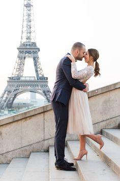 Wil jij de tips voor een huwelijksaanzoek? Lees het hier!  #huwelijksaanzoek #huwelijksaanzoektips #verloving #wijzijnverloofd Engagement Shoots, Classy, Inspiration, Couple Photos, Wedding Dresses, Tricks, Style, Candle Lit Dinner, Romantic Photos