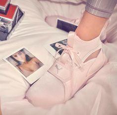 meet 7e1f4 d6961 Skor Sneakers, Skor Klackar, Sko Spel, Korgar, Selena Gomez, Kjolar,