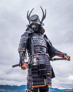 Samurai 🇯🇵 – – – ____________________________🏯 for more… – conquering-meridian Samurai Concept, Armor Concept, Ronin Samurai, Samurai Warrior, Japanese Culture, Japanese Art, Character Art, Character Design, Samurai Artwork