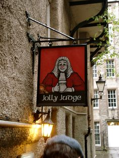 Jolly Judge, a pub in the heart of Edinburgh's Old Town. Photo: Andrea Glauber.