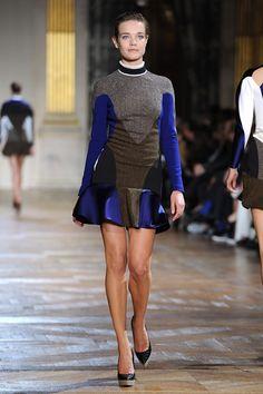 Fall 2012 Flashbck:     Natalia Vodianova Photo - Stella McCartney: Runway - Paris Fashion Week Womenswear Fall/Winter 2012
