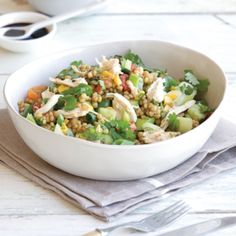 1 Break chicken in chunks. Place couscous in a large bowl. Add chicken with vegetables to couscous and mix. 2 Garnish with coriander and serve with kale . Healthy Salads, Healthy Food, Healthy Recipes, Large Bowl, Couscous, Chicken Salad, Coriander, Kale, Potato Salad