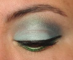 Icy blue awesomeness with the Coastal Scents 88 palette