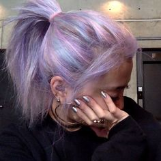 Image about girl in Girllike by Shukou on We Heart It Grunge Hair girl Girllike Heart Image Shukou Hair Dye Colors, Cool Hair Color, Grunge Hair, Aesthetic Hair, Grunge Look, Dye My Hair, Flat Twist, Pretty Hairstyles, Hairstyles Videos